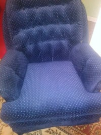 blue and white polka dot sofa chair Alexandria, 22309