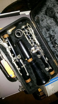 black and gray clarinet set with case