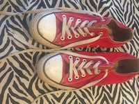 Converse tennis shoes gently used Middletown, 45042