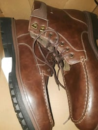 brown leather lace up boots in box North Las Vegas, 89031
