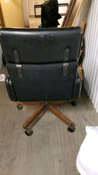 Sturdy, Dirty high back office chair  Henderson, 89015