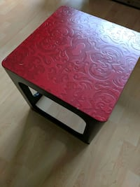 Side/coffee table New Westminster, V3M