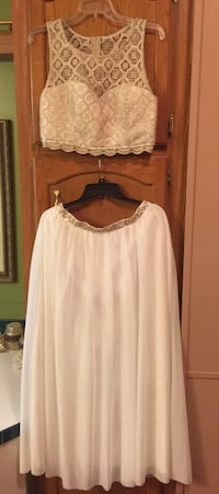 Dress size large Des Moines, 50315