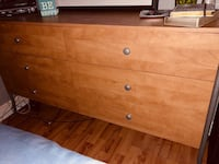 Gone by 7/23 - Bedroom set - Dresser, 2 night stands and mirror Orlando, 32822