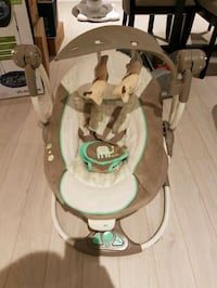 baby's brown and white Fisher-Price bouncer Toronto, M3M
