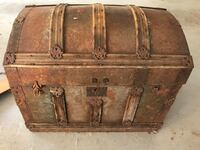 Antique trunk 545 mi