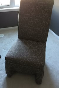 2green chair in very good condition and comfortable