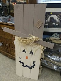 4ft tall wood scarecrow  Hickory, 28602