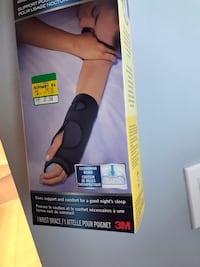 Wrist support adjustable size Burnaby, V5G 3V5