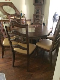 Dinning table & chairs  Gaithersburg, 20877
