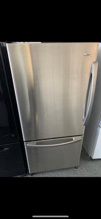 Amana bottom freezer working condition with warranty