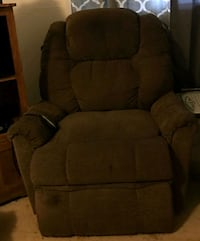 brown fabric recliner sofa chair Chicago, 60629