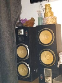 black and brown subwoofer speaker Channelview, 77530