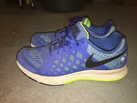Pair of blue-and-green nike running shoes Coquitlam, V3K 3V3