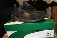 pair of black Nike Huarache shoes with box Barrie, L4M 7G1