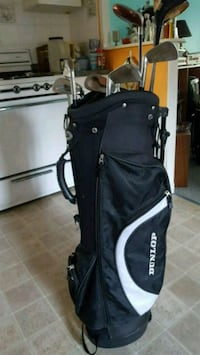 Dunlop Golfbag and mixed Clubs Barrie, L4M 4L7