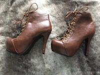 Women's heel boots Mississauga, L5N 2P2