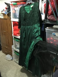 Christmas dress Harpers Ferry, 25425
