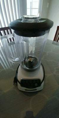 Kitchen-Aid 5speed blender Chantilly, 20152