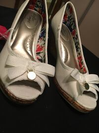 White wedges size 8.5 Louisville, 40223
