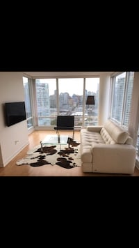 Natuzzi editions white leather couch Vancouver, V6L