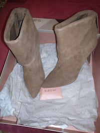 Sachi Georgie Guessing Tan Suede Size 6.5 Condell Park, 2200