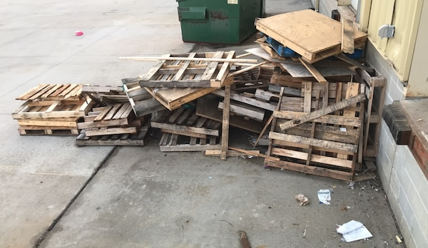 Used Pallets/wood for sale in Omaha - letgo