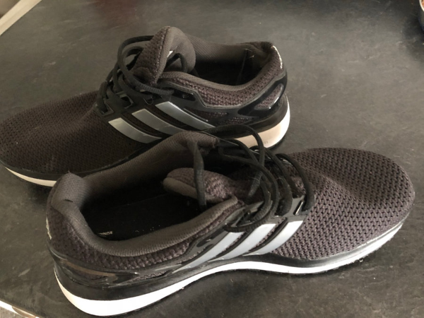 Adidas size 10 men'sliterally in brand new condition, worn twice for Physio