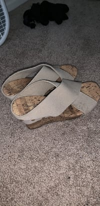 Wedges Size 6 Hagerstown, 21740