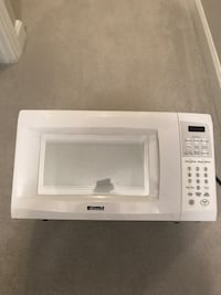 white General Electric microwave oven Silver Spring, 20902