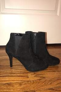 NEVER WORN Rockport Suede Booties Size 9M Chicago, 60657