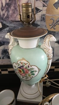 white and teal floral ceramic lamp Oakland Park, 33334