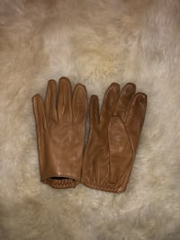 Leather gloves Markham, L3P 4K1