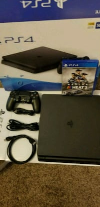 Sony PS4 console with controller and game case Manassas, 20110