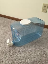 2.5 Gallon Beverage Dispenser. Can be used for water or any other beverages. $5. Pickup in Sidney. 365 mi