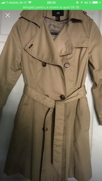 Brown button-up coat H&M Dumfries, 22026