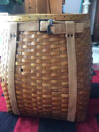 Adirondack backpack basket . Beautiful! Beautiful condition for its vintage age Granger, 46530