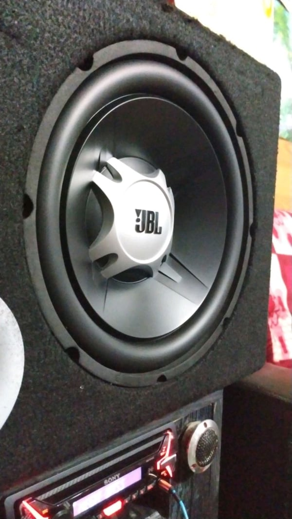 Jbl gt5 12 1100 watt subwoofer bass 4