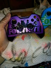 Xbox one 3.5mm controller  Bakersfield, 93305