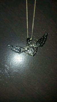 Angel wing pendant with necklace  Barrie