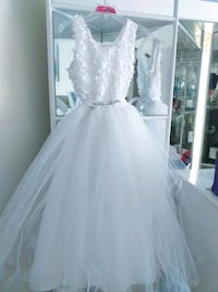 VeryCutewhiteflower girls/Grad dress/party dress Toronto