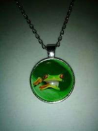 round silver-colored green frog printed pendant necklace