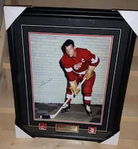 Gordie Howe Autographed with COA - 26' by 20'Frame