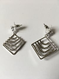 New silver Earrings with Diamonds