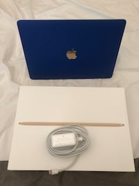 "2017 MacBook 12"" 256g Gold Towson, 21204"