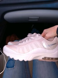 Nike air Max girl shoes size 8 Louisville