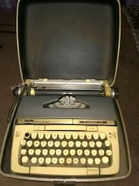 black and gray typewriter with case Long Beach, 90813