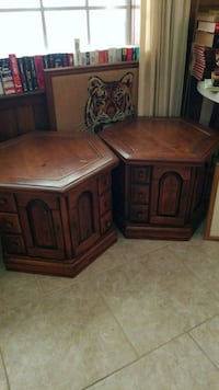 two brown wooden side tables Kenner, 70065