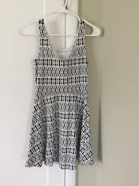 H&M navy blue & white sleeveless dress Sacramento, 95816