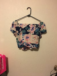 women's black, green, and pink floral scoop neck crop tops Tacoma, 98404